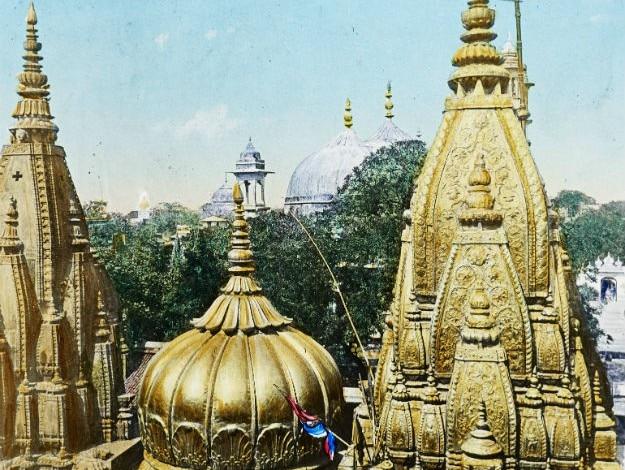Kashi Vishwanath temple, Image Courtesy: Wikimedia Commons