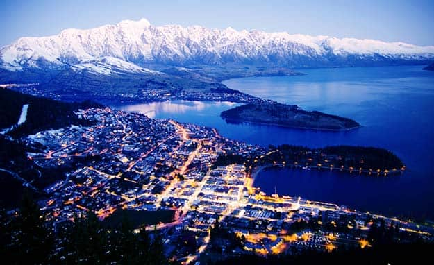 New-Zealand-Queenstown-dusk