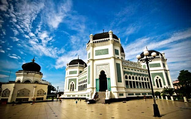 The Great Mosque (Masjid Raya) in Medan-shutterstock_150344081