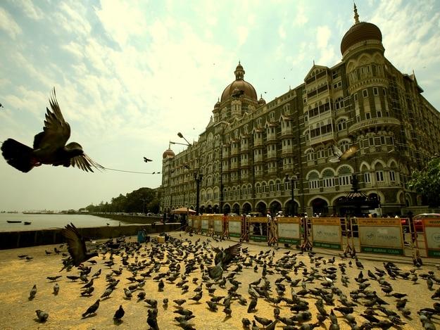 taj-mahal-hotel-full-view