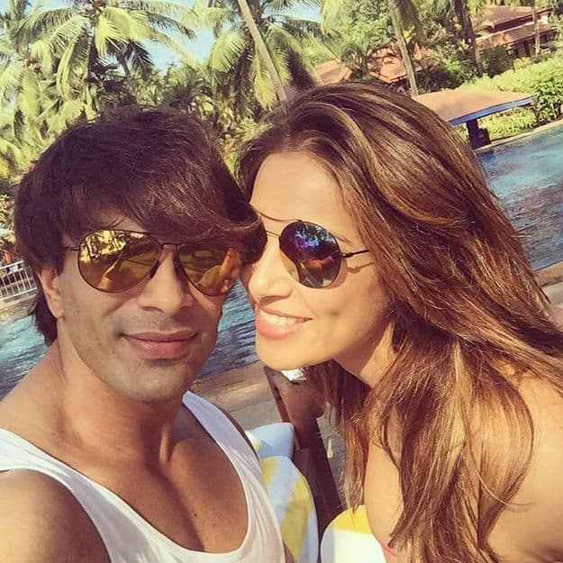 11bipasha-basu-karan-singh-grover-honeymoon-photos4