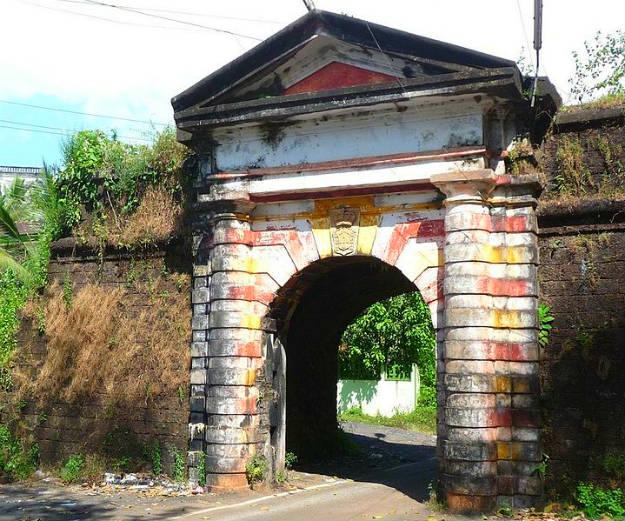 Rachol_Fort_gate