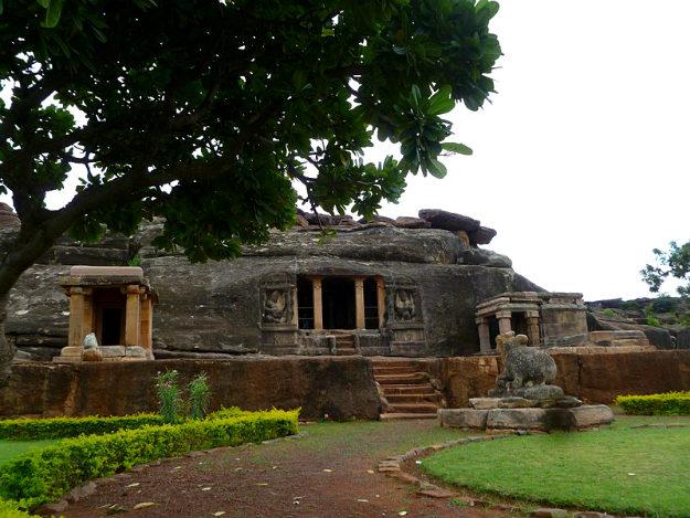 Ravana phadi