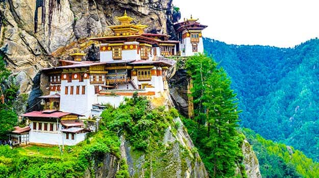 8 International Destinations Every Indian Middle Class Family Can Visit