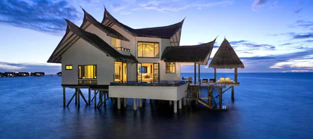 jumeirah-vittaveli-ocean-suite-exterior-01-hero