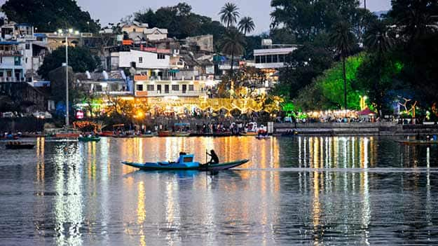 visit to a hill station during winter vacation 10 hill stations in india to visit in december sushmita travel destinations november 26, 2014 november 27, 2014 4 comments winters are seemingly the best time of the year to gear up for some travelling.