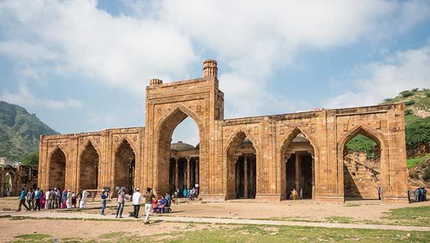 Adhai-Din-Ka-Jhonpra-mosque-in-Ajmer