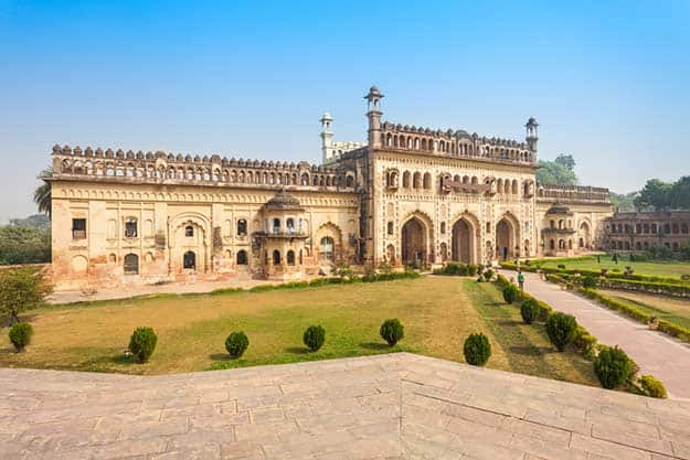 Ramadan 2016 india 10 most famous mosques in india where for Home architecture in lucknow