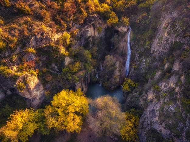 Hotnishki-Waterfall-Kaya-Bunar