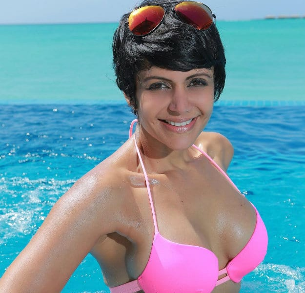 Mandira Bedi's hot beach vacation photos are sparking our ...
