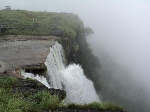 Seven_Sisters_Water_Falls_Mawsmai_Cherrapunjee_513