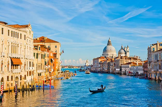 10 Spectacular Waterfront Cities In The World