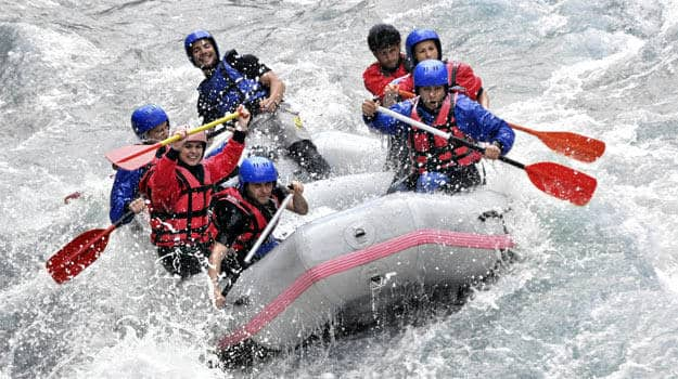 Whitewater rafting, Kolad