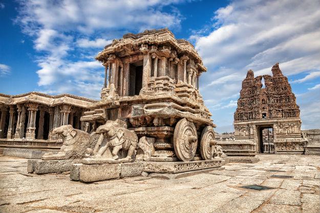 Stone chariots outside Vijaya Vittala Temple, Hampi