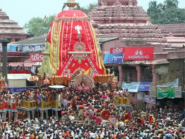 Rath Yatra in Puri, Photograph courtesy: Wikimedia Commons