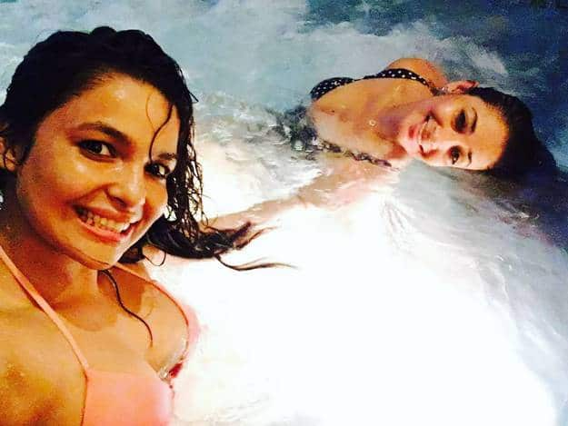 Chitrashi Rawat hot bikini photo