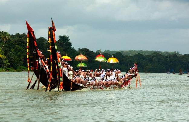 shutterstock Snake boat race