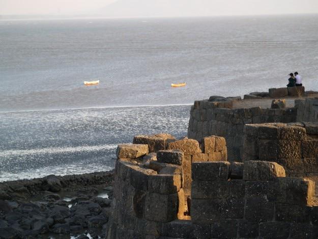 Alibag Fort, Photograph courtesy: Wikimedia Commons