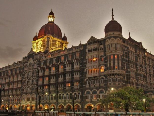 The_Taj_Mahal_Palace_Hotel_old_wing_01