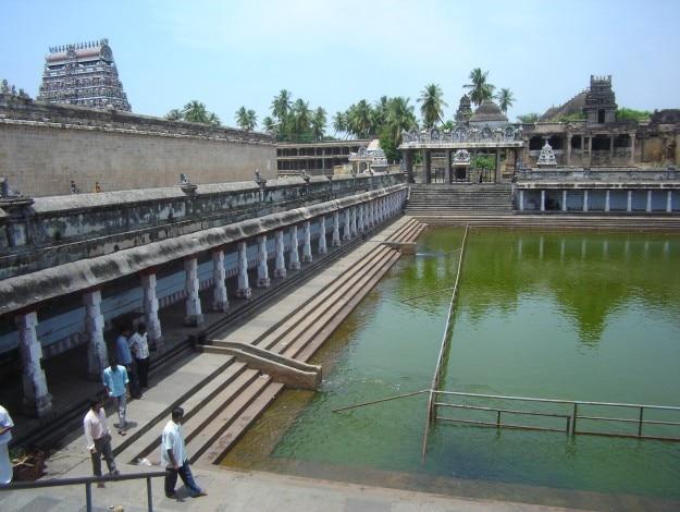 Chidambaram_Nataraja_temple_tank