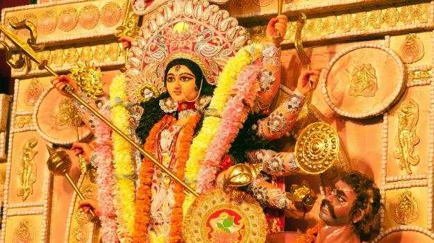 10 Famous Durga Puja Pandals In Kolkata To Visit This Navratri 2016