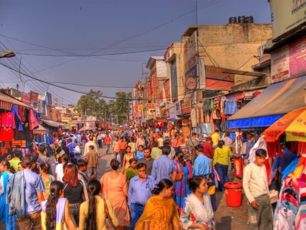 Lajpat_Nagar_marketplace_in_2006