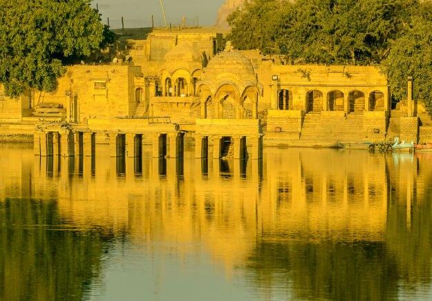 Jaisalmer-Gadisar-lake