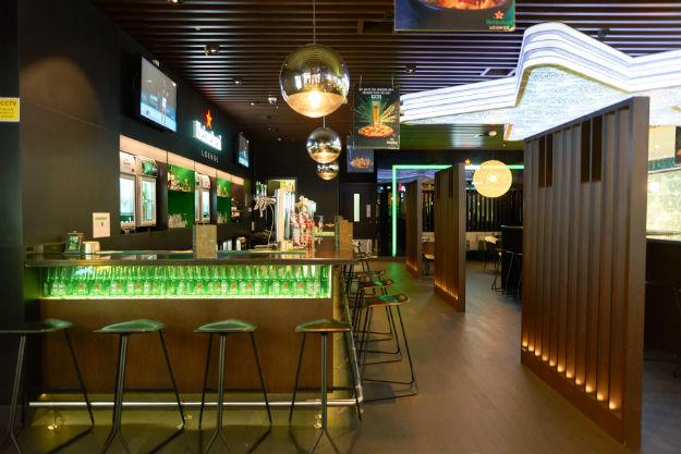 airport-bar