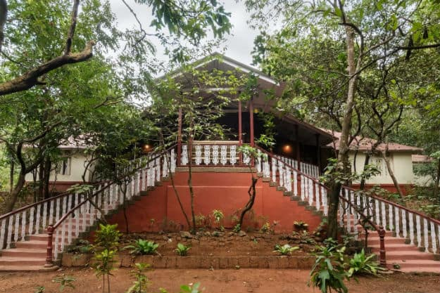 Airbnb-Parsi Manor at Matheran Deluxe Room-Matheran