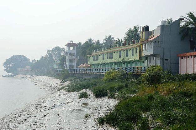 Bidhan Saikat Guest House, Taki, Photograph Courtesy: Biswarup Ganguly/Wikimedia Commons