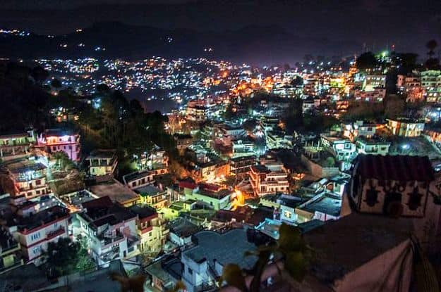 Solan city at night, Photograph Courtesy: Garconlevis/Wikimedia Commons