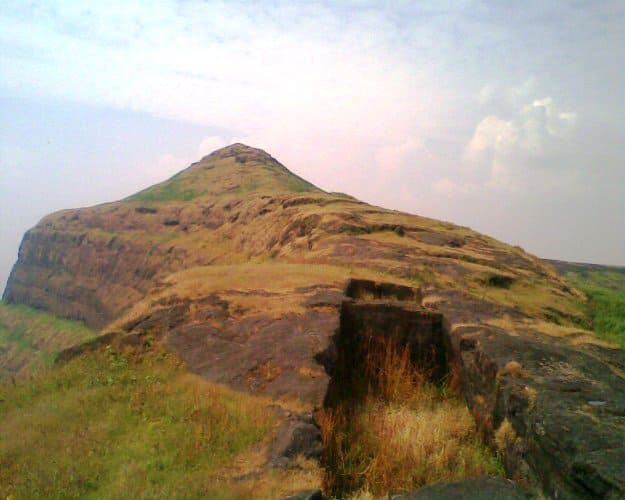 Top of Patta fort, , Photograph Courtesy: Wikimedia Commons