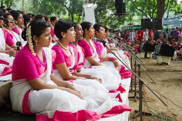 """Performers of """"Chayanot"""" a famous cultural group of Bangladesh"""