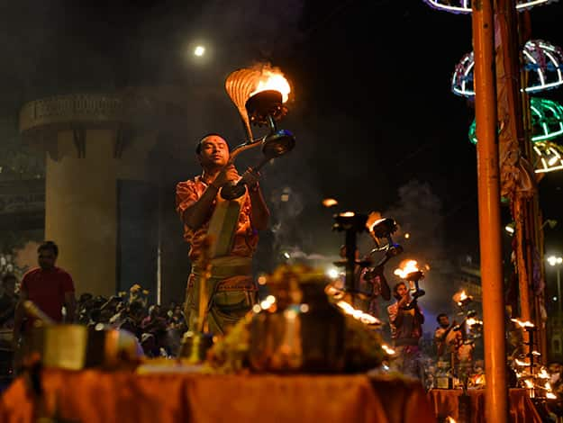 Grand-View-of-the-Aarti-Ceremony
