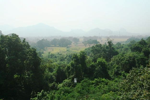 Hills in Paralakhemundi at a distance, Photograph Courtesy: Carla Antonini/Wikimedia Commons