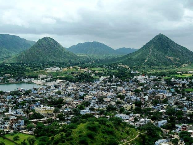 Hills around Pushkar in the Monsoon, Photograph Courtesy: 4ocima/Creative Commons
