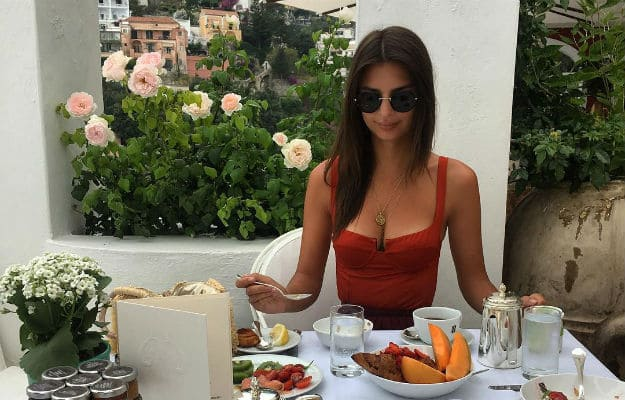 Hot photos of Emily Ratajkowski chilling in Italy will make you sweat under the collar