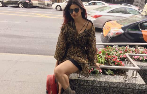 Hot Mouni Roy photos from her Chicago vacation will spark your wanderlust