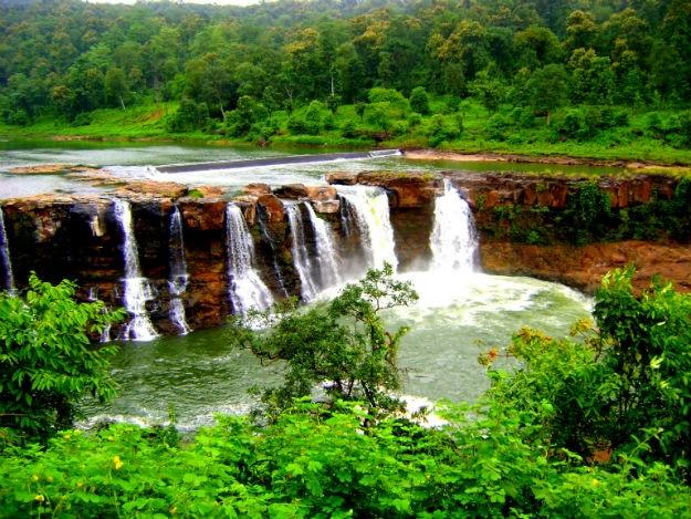 Gira waterfall in Saputara
