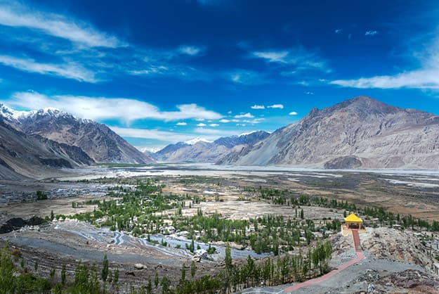 How to Reach Nubra Valley in Ladakh: Best Ways to Reach Kashmir's Glorious Desert