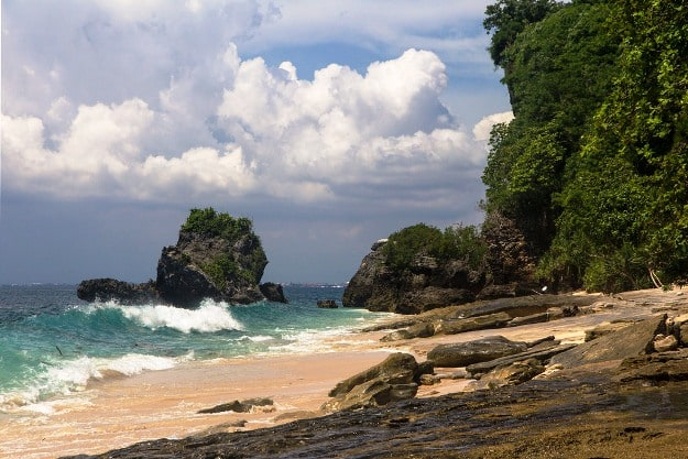 Padang-Padang Beach, Photograph Courtesy: cat_collector/Creative Commons