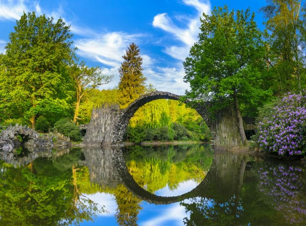 Rakotzbrücke Devil's Bridge in Germany's Kromlau Will Stun You With Its Circular Optical Illusion!