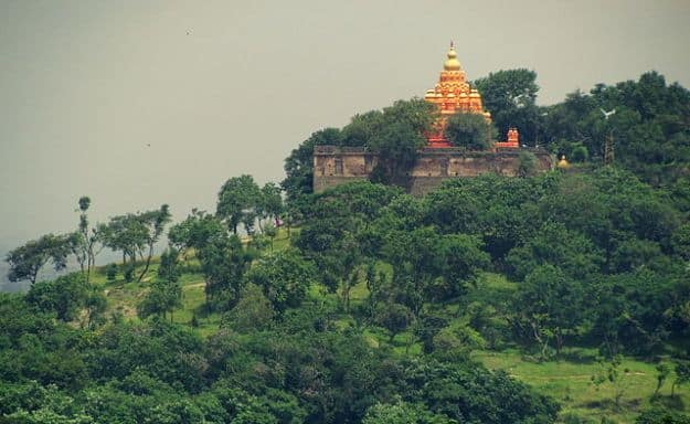 Parvati Hill Temple, Photograph courtesy: Siddhesh Nampurkar/Wikimedia Commons