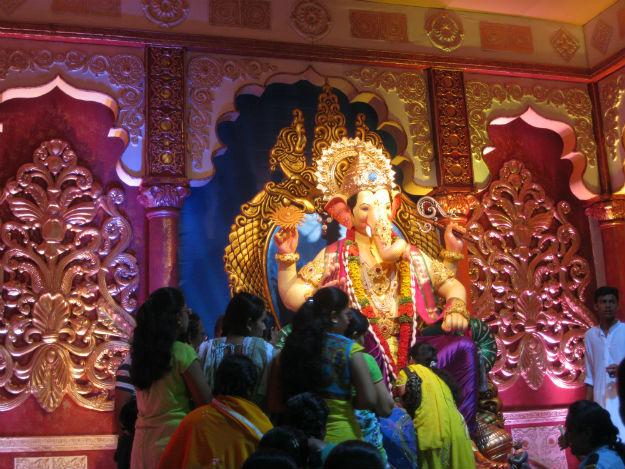 Lalbaugcha Raja in 2015 - Dharmadhyaksha/Wikimedia Commons