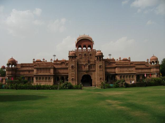 Laxmi Niwas Palace, Lalgarh Palace, Bikaner, Photograph courtesy: Wikimedia Commons