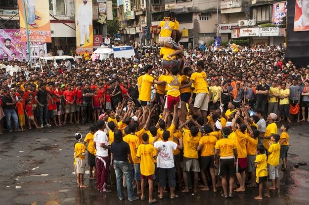 Dahi Handi festival to celebrate Krishna's Birth in Mumbai