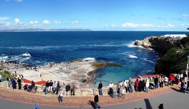 Hermanus coast, Photograph courtesy: South African Tourism