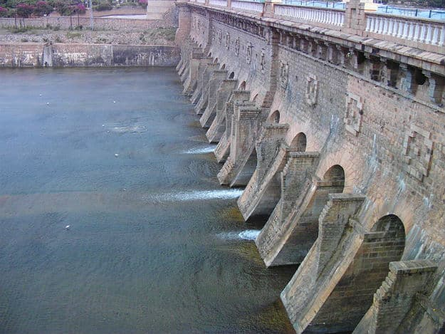 Happy Engineer's Day 2017: 5 Interesting Facts about M. Visvesvaraya's Krishna Raja Sagara Dam in Karnataka