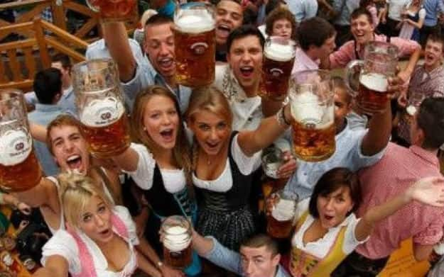 Oktoberfest 2017 Images: World's Largest Beer Festival is Here and We Cannot Keep Calm!