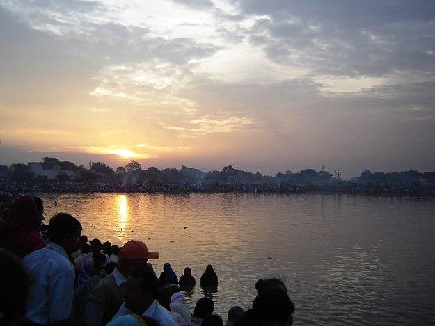 People Celebrating Chhath, Photograph Courtesy: Abhishek jsr2/Wikimedia Commons
